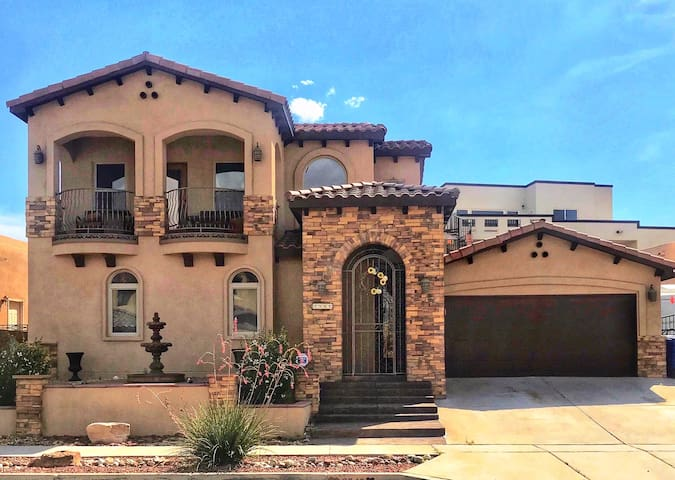 Custom Spanish Style Home (Near Balloon Fiesta)