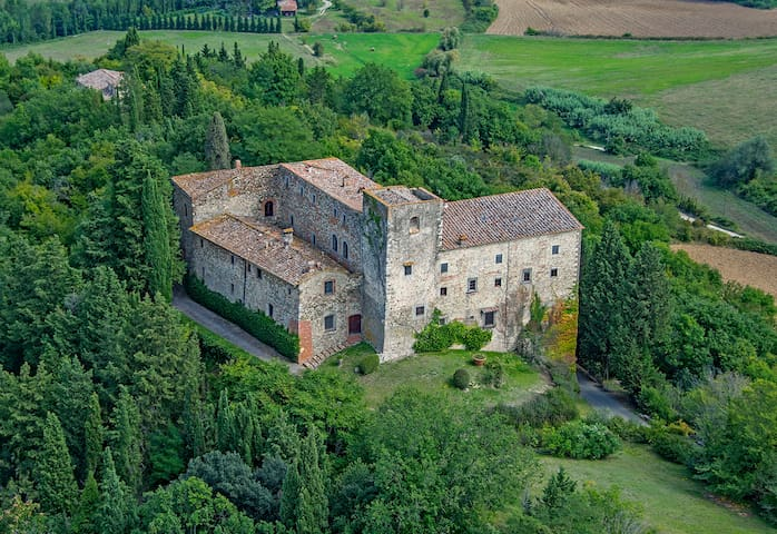 Castello dependance