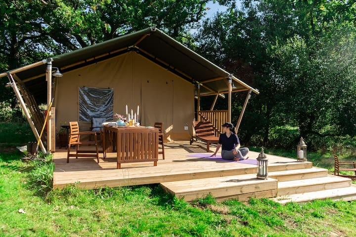 Luxury en-suite Safari tent with large deck