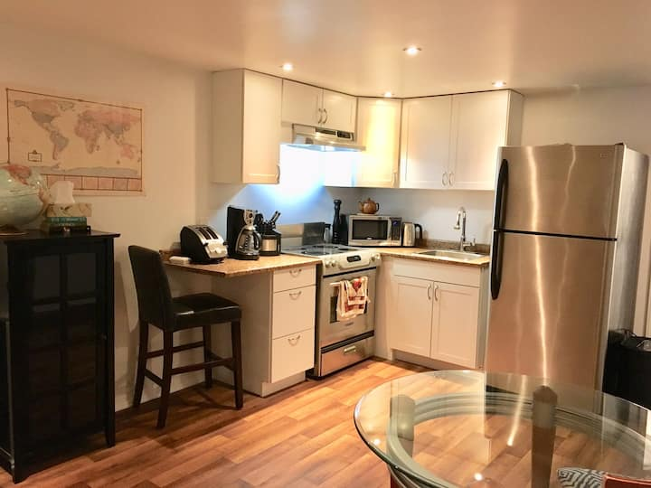 Cozy basement apartment in Oakville