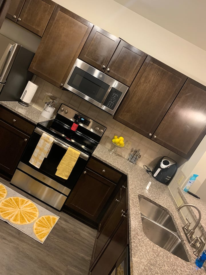 Cozy One Bedroom Apartment Minutes From Midtown