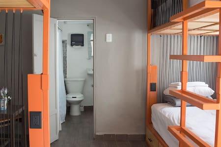 El Tigre de Santiago - Dorm. compartido de 4 camas