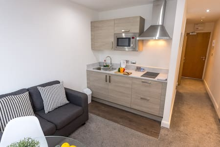 City Centre Studio Apartment Charles  & Oxford Rd