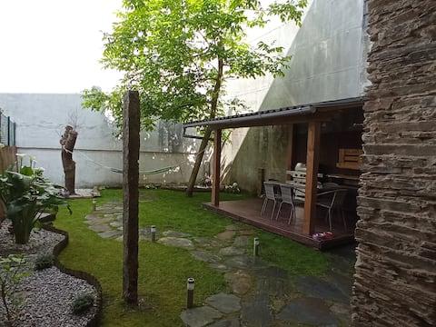 Apartamento con jardín y barbacoa muralla Lugo.