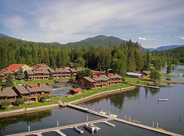 Waterfront cabin(s) on beautiful Lake Pend Oreille - Hope - Condominium