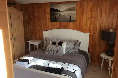 Chambre / Room double Berneuse - Leysin - Lägenhet