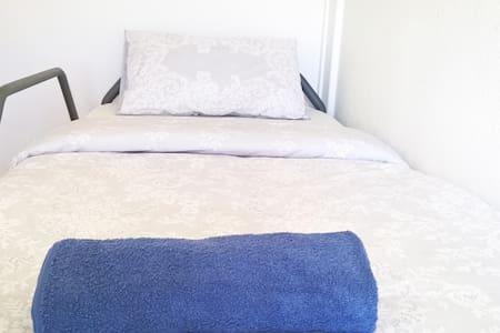 #1 Comfortable Bed with Amazing Breakfast! - Lisboa - Huoneisto