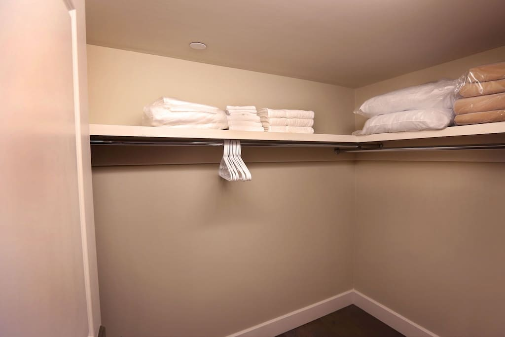 Stay Alfred New Orleans Vacation Rental Bedroom Closet