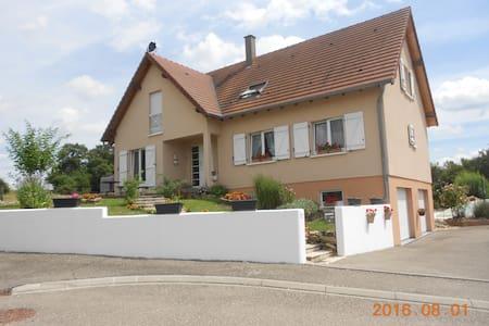 La maison dans la prairie - Sarraltroff - Hus