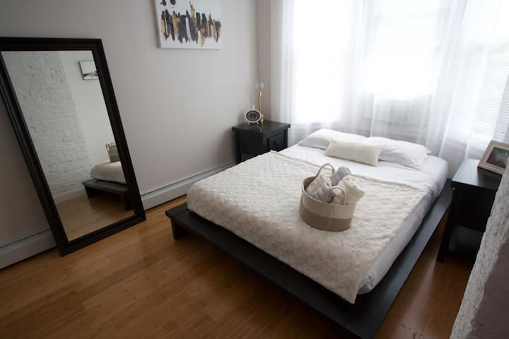 #3 Bright And Cozy Room, 30 minutes to Manhattan