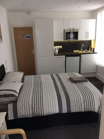 Studio apartment £30 per night central Cleethorpes