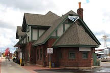 Historic Train Depot and Visitor Center downtown Flagstaff (Photo: Steven C. Price)