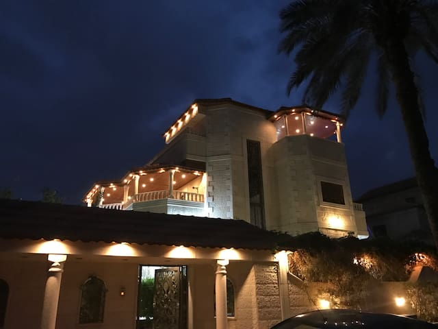 Wonderfull villa in Jericho