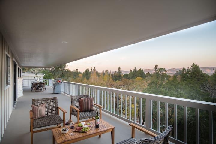 Vino Blanco by AvantStay   Private Wine Country Home w/ Mtn Views & Deck