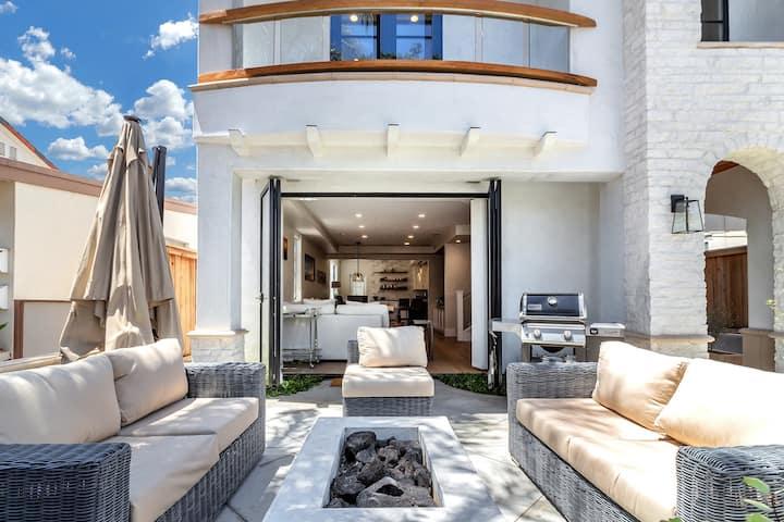 Villa Acacia:  Luxury Vacation Villa