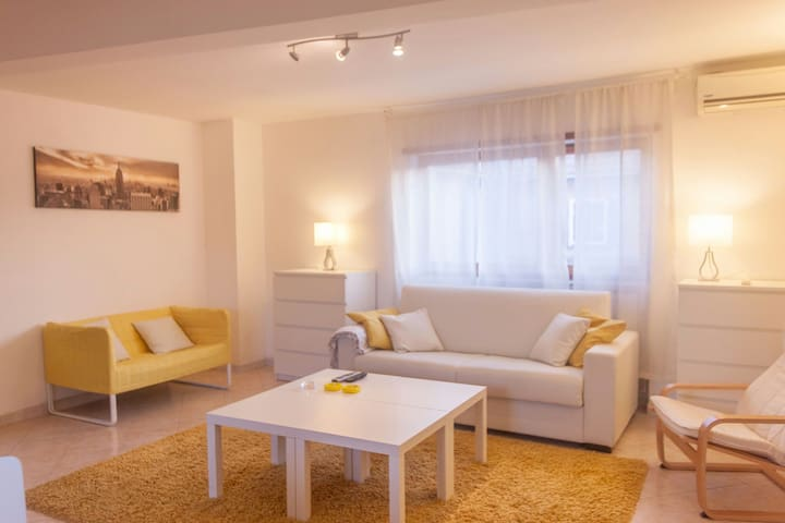 GREAT FLAT 80Mq.Close MetroStation. 4/6 persons - Roma - Apartment