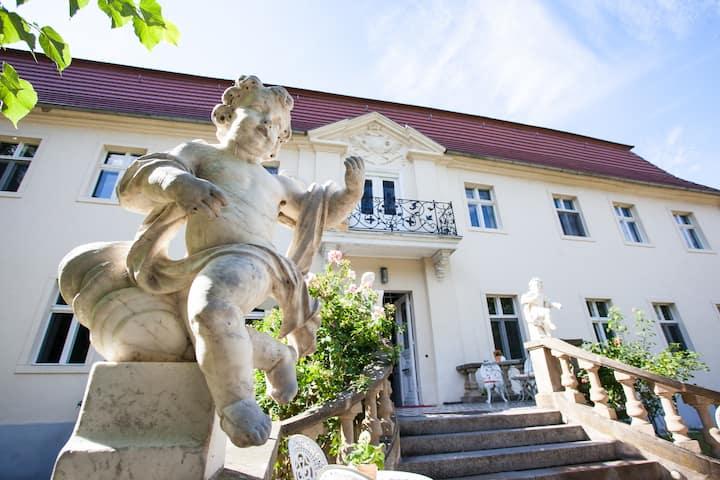 Schloss Blankensee - bei Berlin - einzigartig