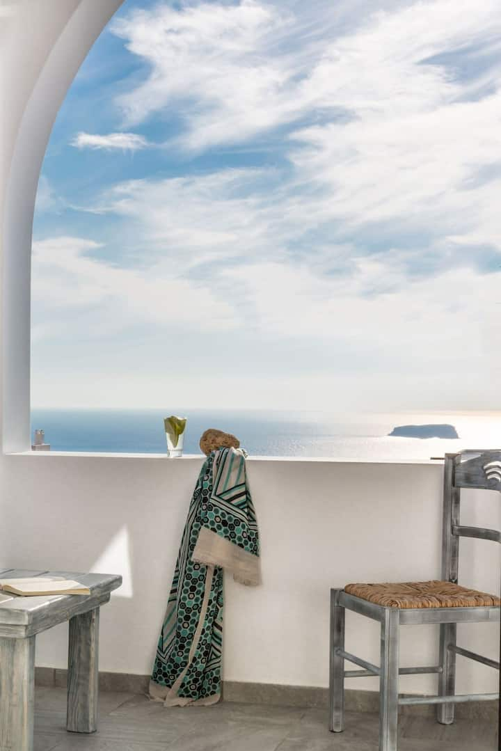 R 934 Ajax  Luxury Villa - Villa With Hot Tub, Mountain View & Sea view.