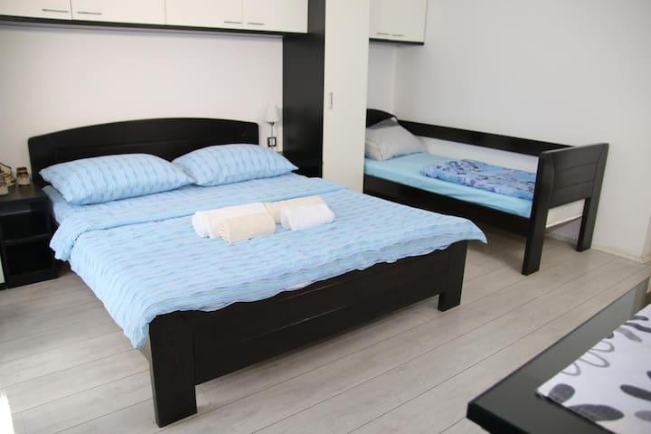 Madea Apartment Piknik 2 (triple room)