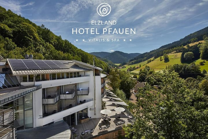 ElzLand Hotel Pfauen, (Elzach-Oberprechtal), Panorama Suite