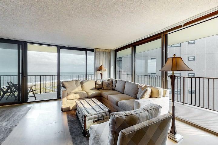 Sea Colony 7th floor condo w/ shared basketball court, balcony & ocean view!