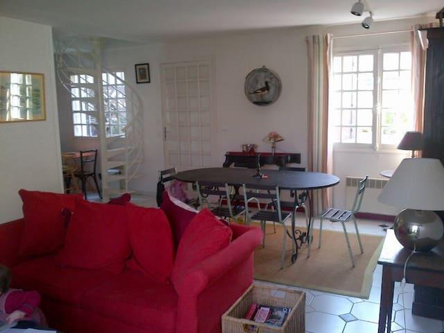 Loue maison de charme 80m²2 chambres à Villerville - Villerville - Townhouse