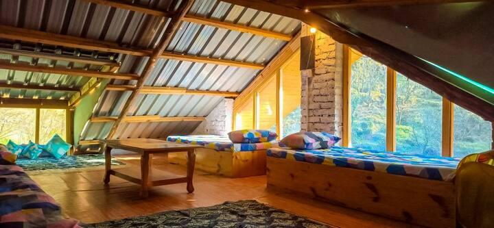 Cozy Hostel beds | WFH | wi-fi | CrystalArtCafe