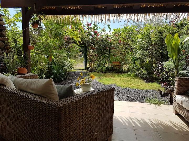 Appartement F3 de charme en rez de jardin