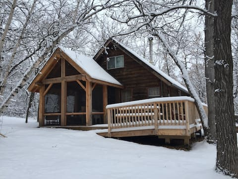 Mosswood Cabin - on the Manitoba Escarpment