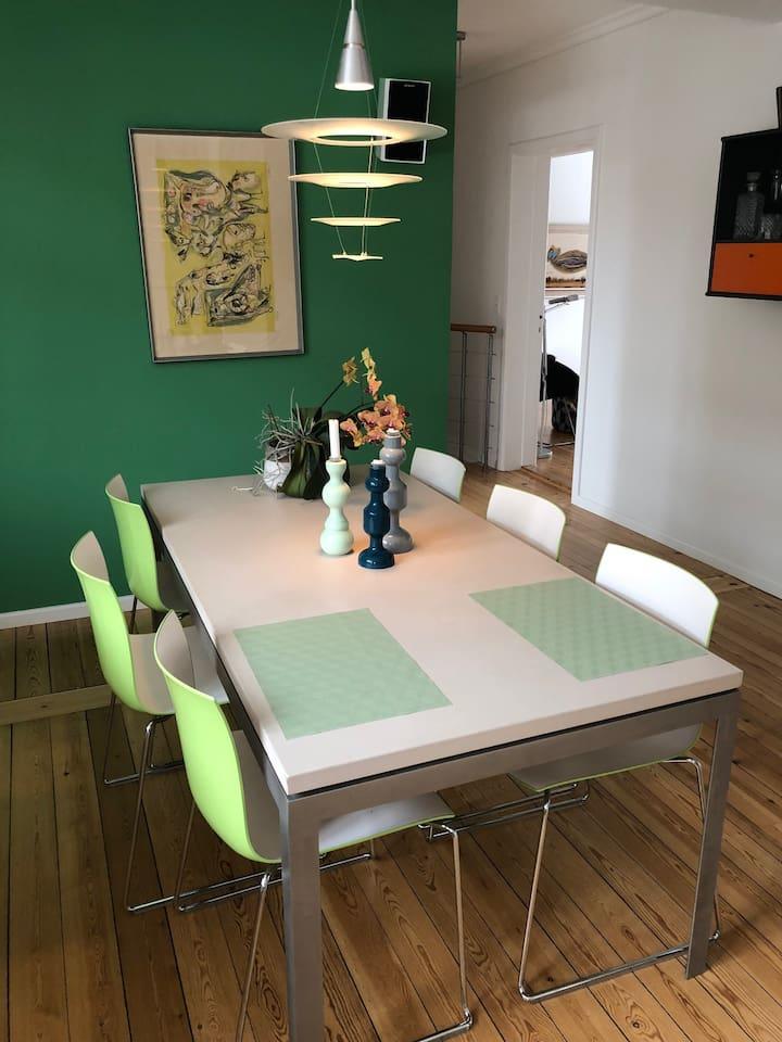 Large kitchen/dinning room