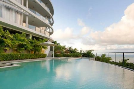 OCEAN VIEW APARTMENT,  SUPERB SWIMMING POOL & WIFI