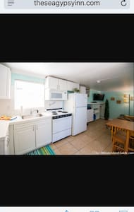 Sea Swept Efficiency Apartment - Fort Myers Beach
