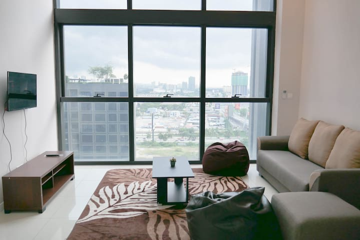 Couple Style Duplex unit with Charming Environment