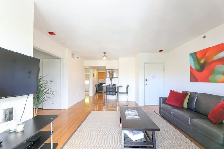 Amazing Miami Beach  condo..2 min from the Beach..