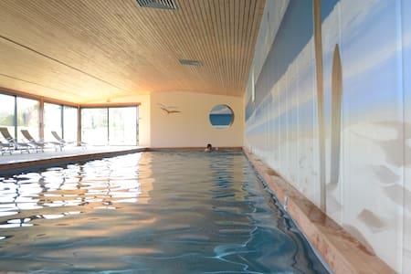 Gîte 5 personnes avec piscine - La Grange - Hénanbihen