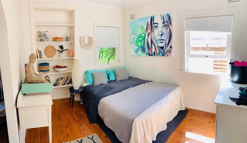 Cosy bohemian 1 bedroom flat in Bondi Beach