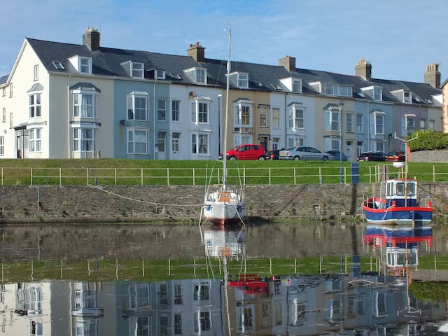 Harbour-side 3 bedroom Apartment - Aberystwyth - Daire