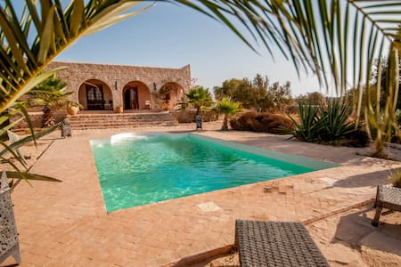 Villa swimming pool close to Essaouira