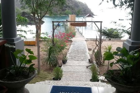 Wae Cicu Beach inn Resorts - Labuan Bajo