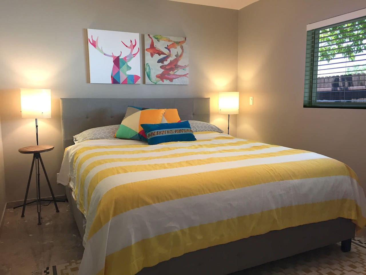 Bight California King 1-Bedroom