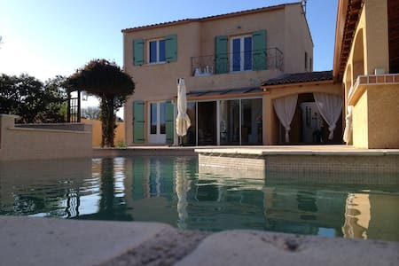maison avec piscine et pool house - Saint-André-de-Sangonis - 独立屋