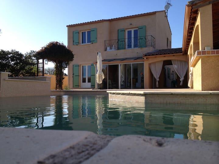 Le bonheur ds l Hérault villa au calme et piscine