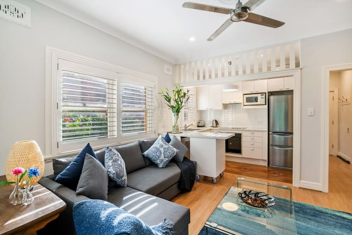 CLOVY - 2BR Unit Minutes from Clovelly Beach
