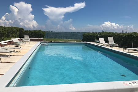 Modern/Shared apartment on theWater - Miami Shores - Flat