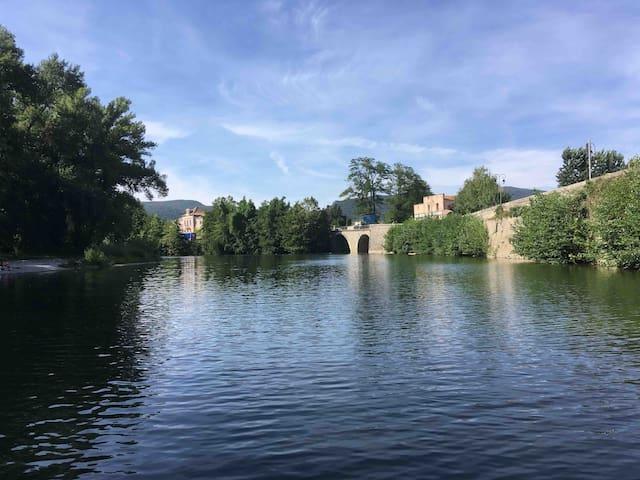 Gîte rural privé  à 50 m de la rivière 60m2