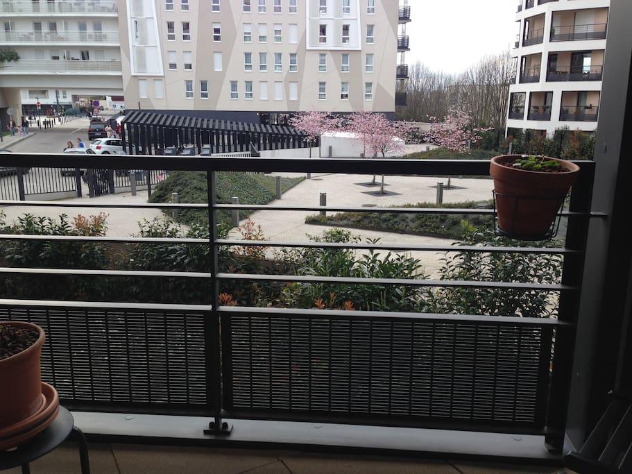 Terrasse ensoleillée l'après-midi