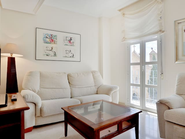 Duplex Apartment with Free private Parking & Private Terrace