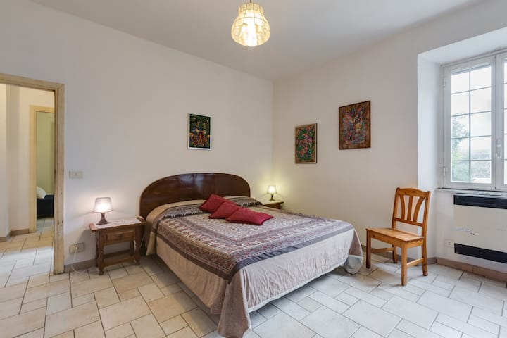 Spacious and cozy, 6+3 beds, free WiFi, near EUR