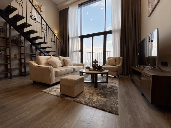 Luxury West Lake Duplex /Entire Hanoi & Lake View