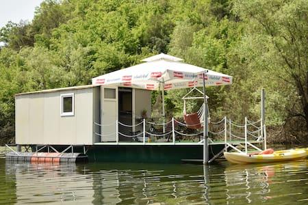 Dragan Apartment, Rijeka Crnojevića (Lake house)